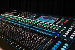 De digitale tafel waar wij mee werken: Allen & Heath Qu-32